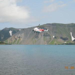 Вертолетная экскурсия на Курильское озеро с посещением кальдеры вулкана Ксудач и термальных Ходуткинских источников 3.4